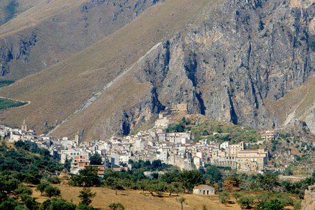 Sicilia a cavallo