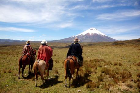 a cavallo sui vulcani delle Ande