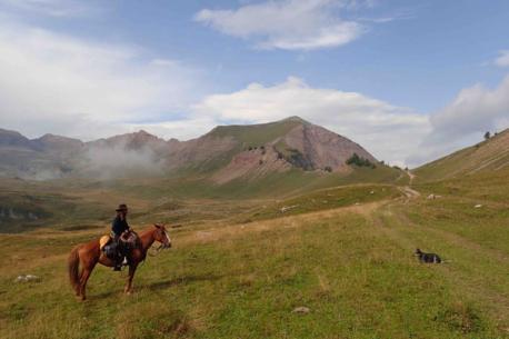 A cavallo sulle Dolomiti