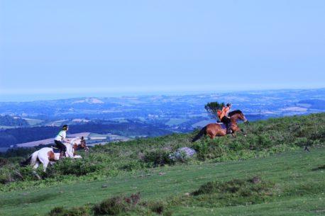 a cavallo in Inghilterra